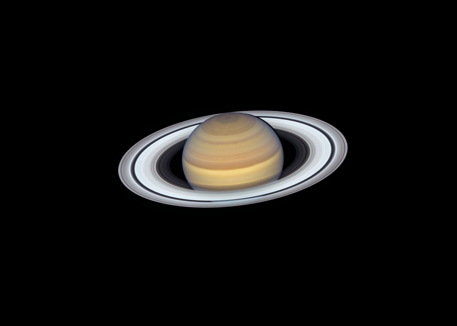 Gorgeous Saturn Shines in New Hubble Portrait