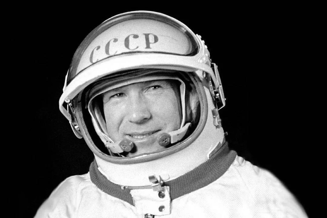 Legendary Cosmonaut Alexei Leonov – 1st Human to Walk in Space – Dies