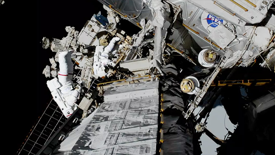 NASA Astronauts Complete Historic 1st All-Female Spacewalk: Complete Video