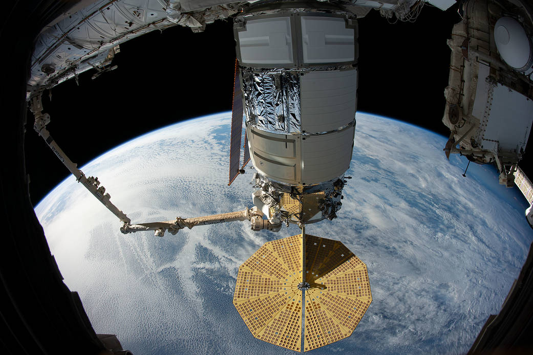 Commercial Cygnus Cargo Freighter Grappled by Astronauts for ISS Arrival with 4 Tons NASA Science: Photos