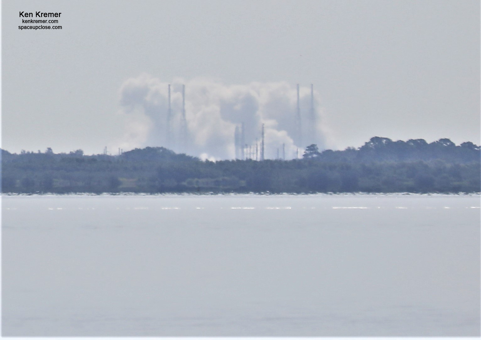 SpaceX Completes Falcon 9 Hot Fire for GPS Launch – 2nd in 16 Hours with 2 Falcons on 2 Launch Pads as Starlink Sats Awaits Liftoff: Photos