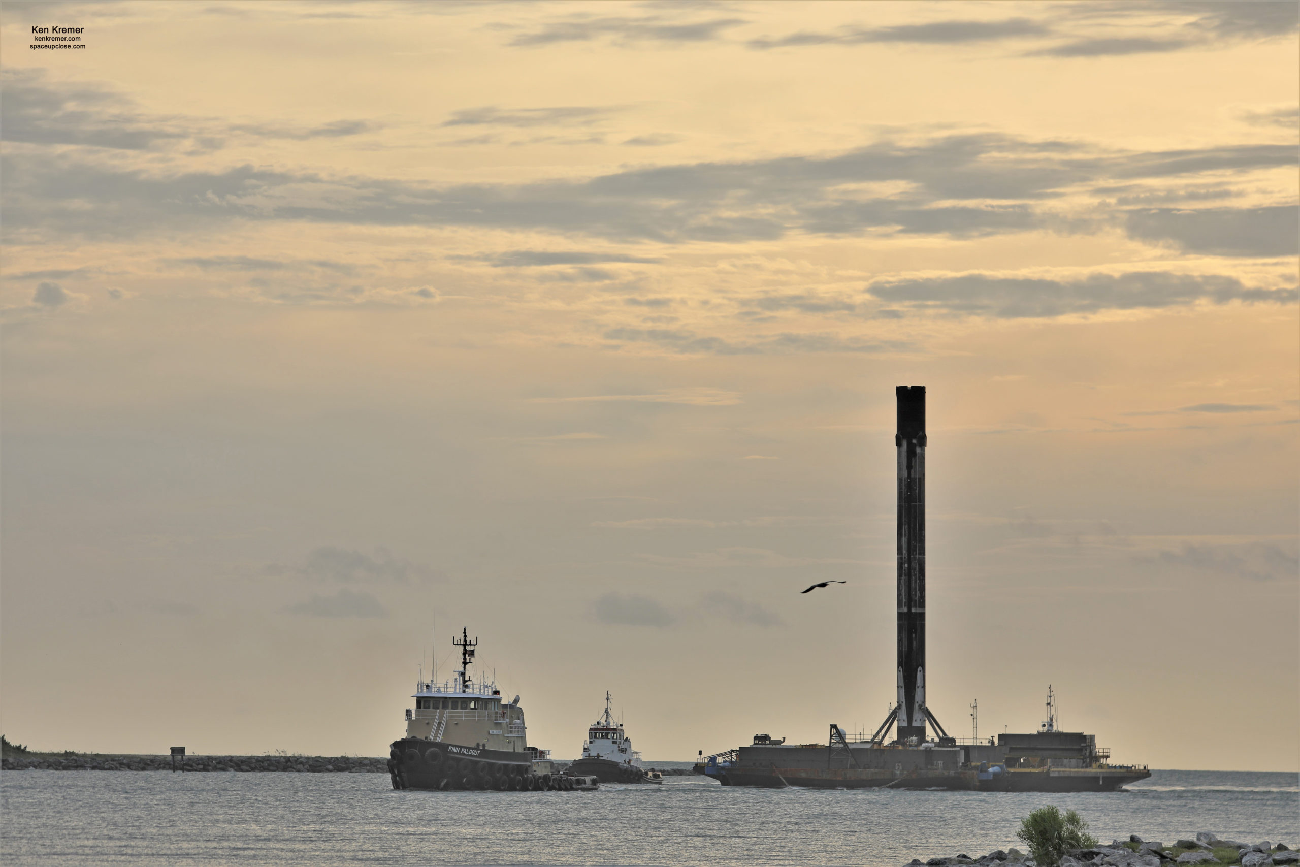 Triumphant Sunrise Return to Port Canaveral for 1st 6x Flight-Proven SpaceX Falcon 9: Photos