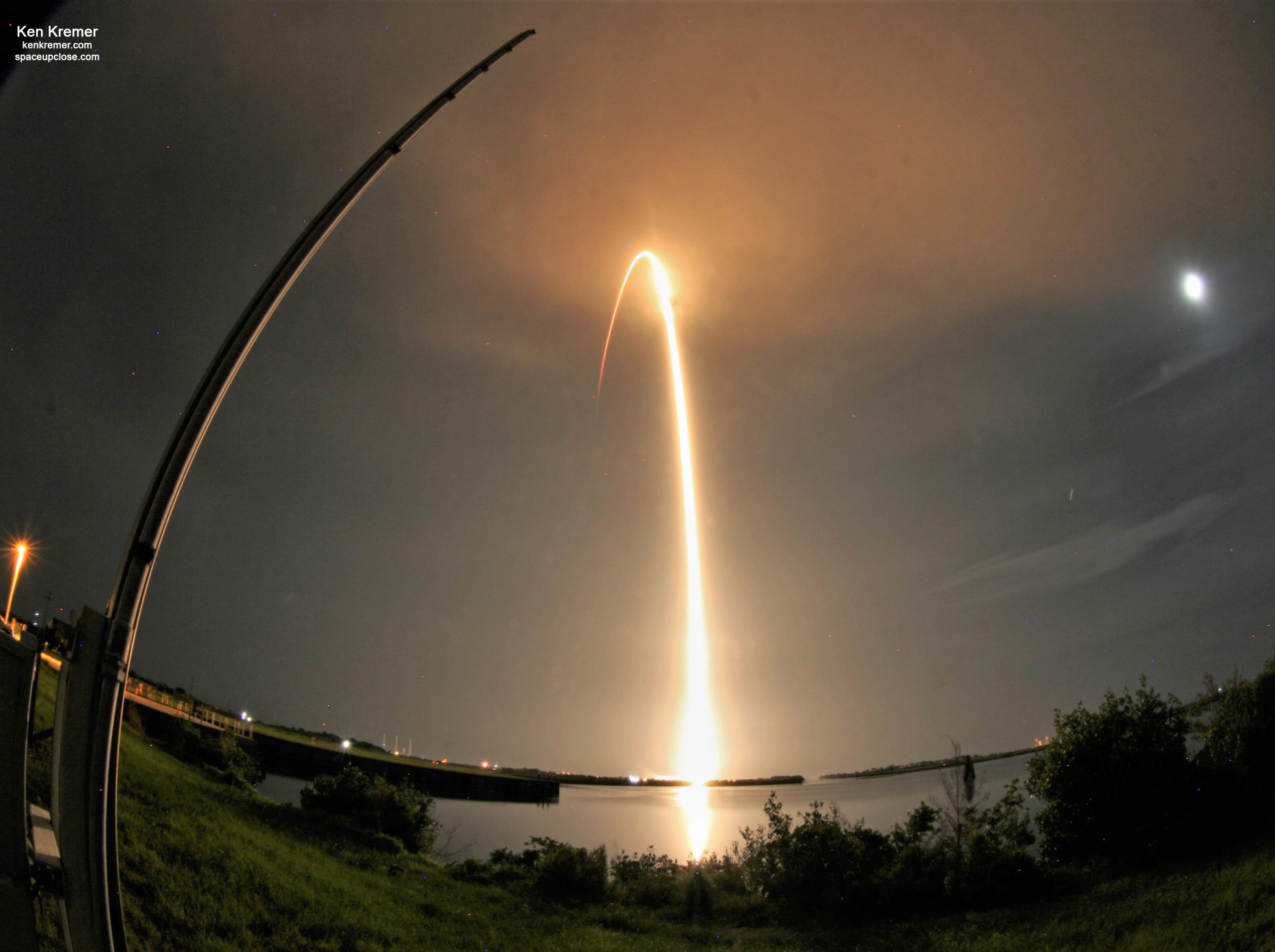 SpaceX Beautiful Overnight Launch Sends Starlink Satellites to Orbit after Multiple Delays: Photos