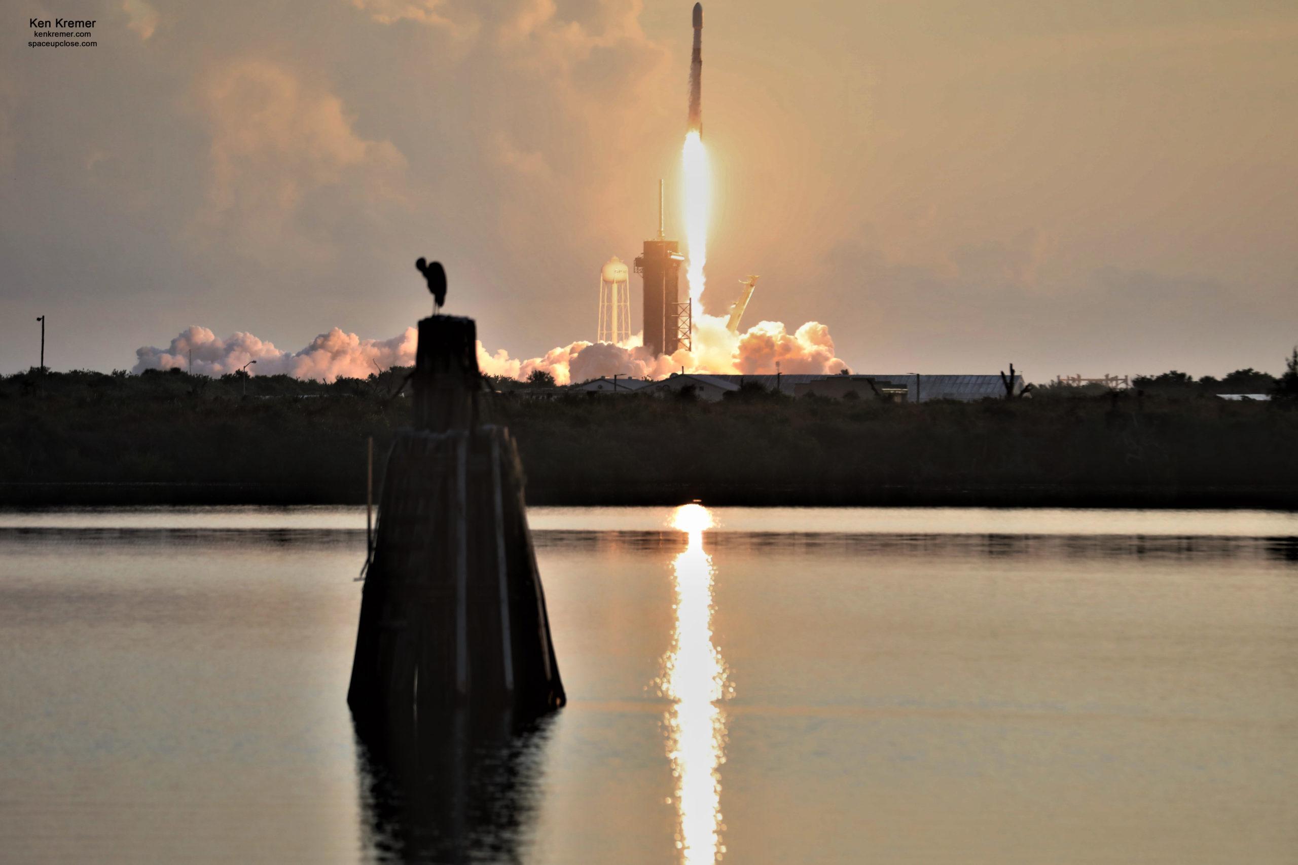 Scrub Streak Broken!  SpaceX Launches Starlink Satellites during Spectacular Space Coast Sunrise: Photos