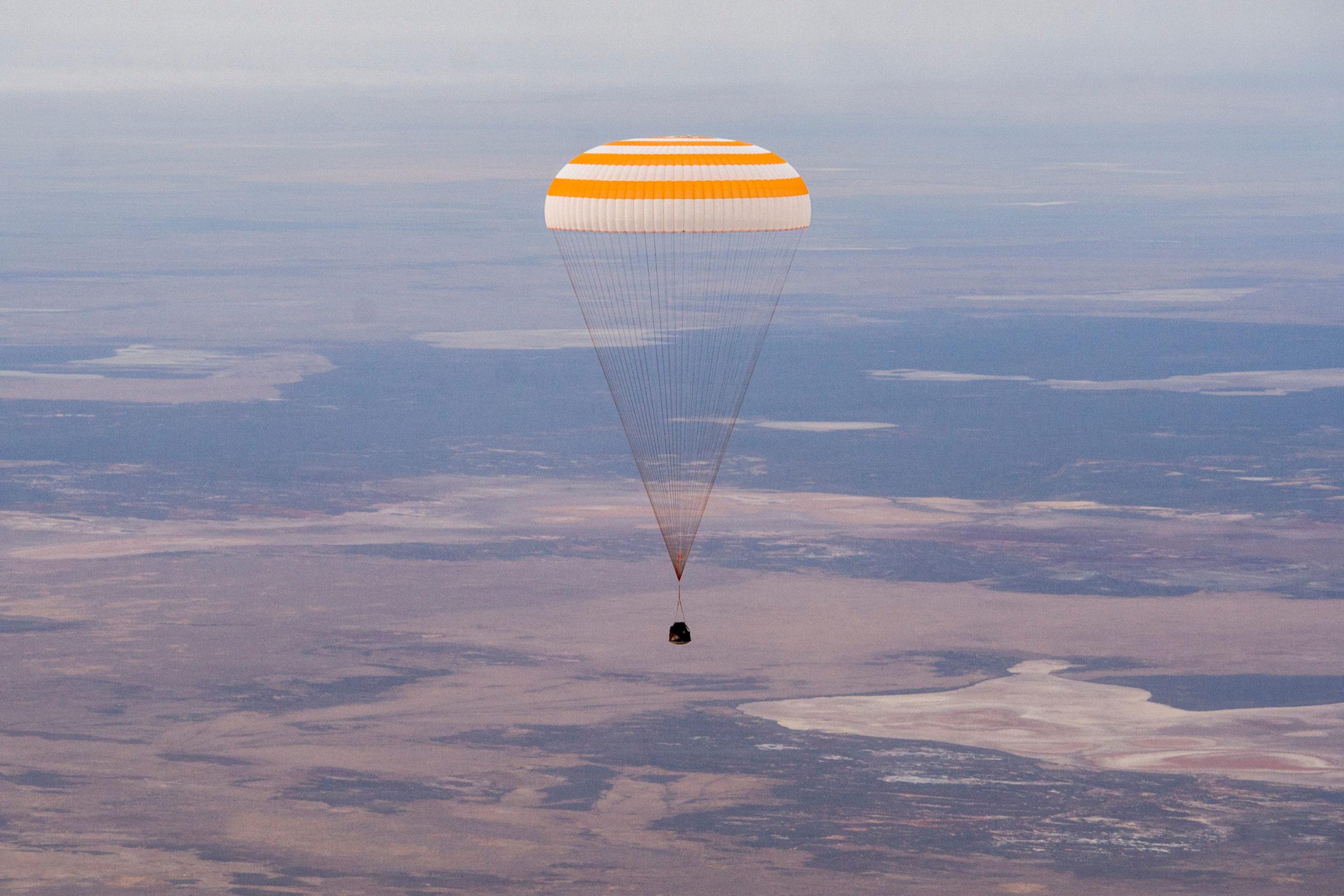 Soyuz Trio with NASA Astronaut Chris Cassidy Return Safely to Earth