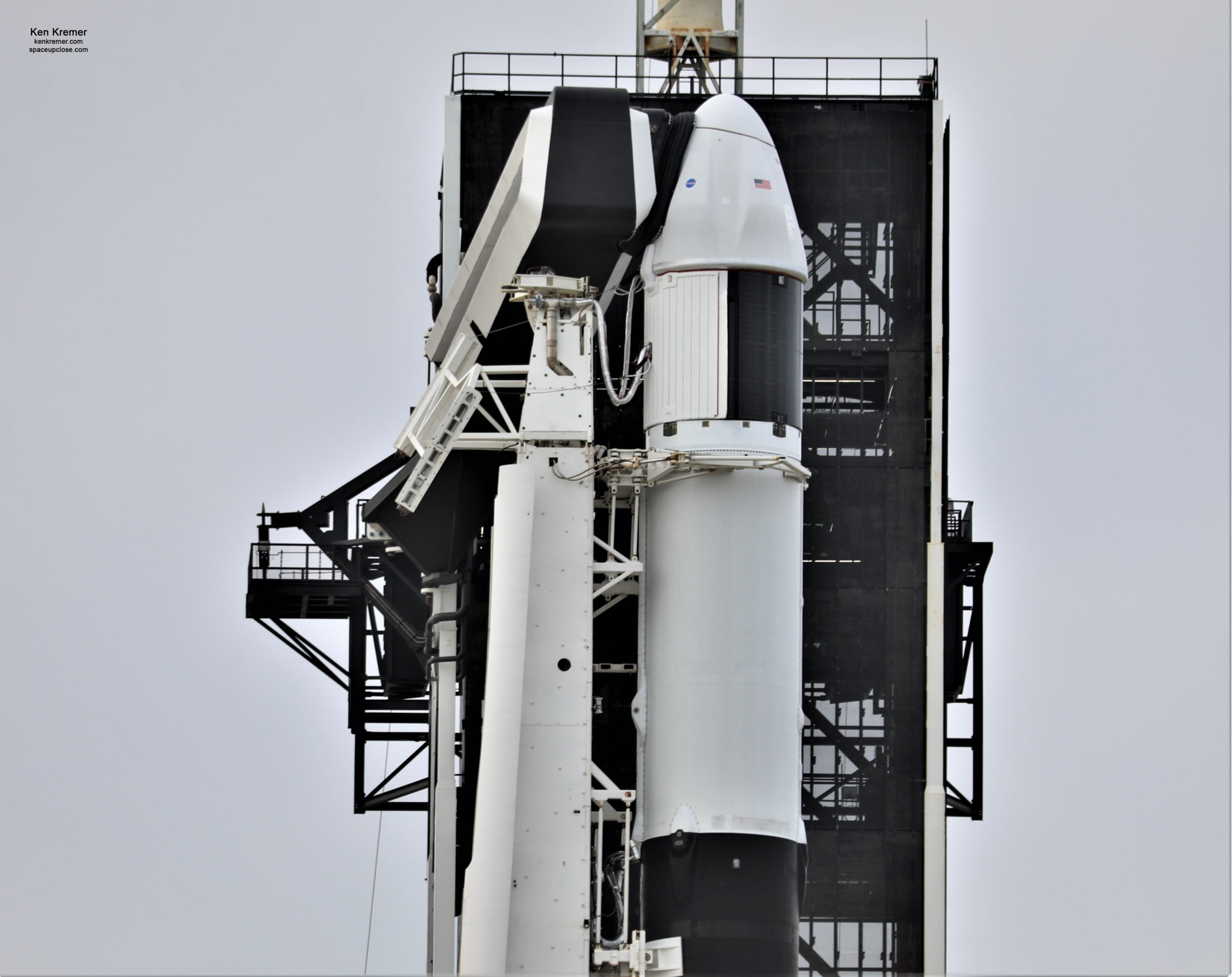 1st Upgraded SpaceX Cargo Dragon Set for Falcon 9 Blastoff to ISS Saturday Dec. 5: Watch Live/Photos