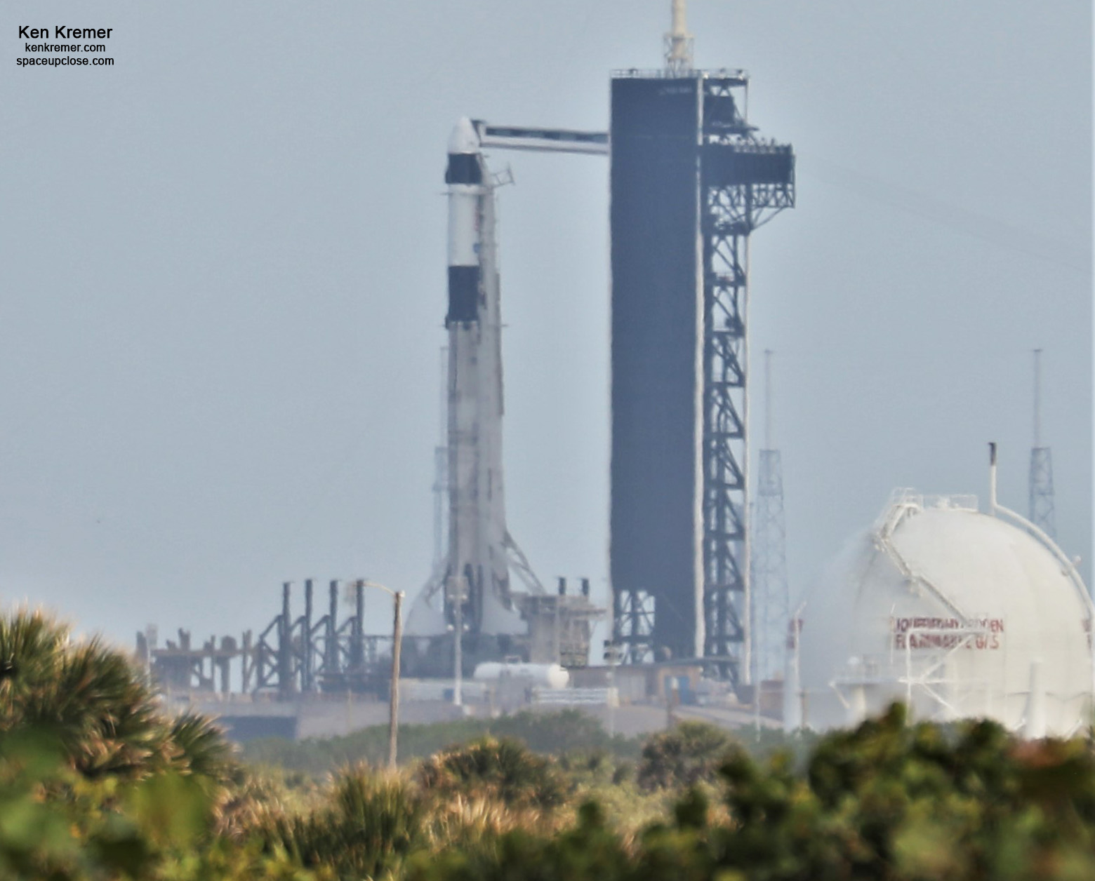 NASA, SpaceX GO for April 22 Launch 4 Astronauts to International Space Station: Photos