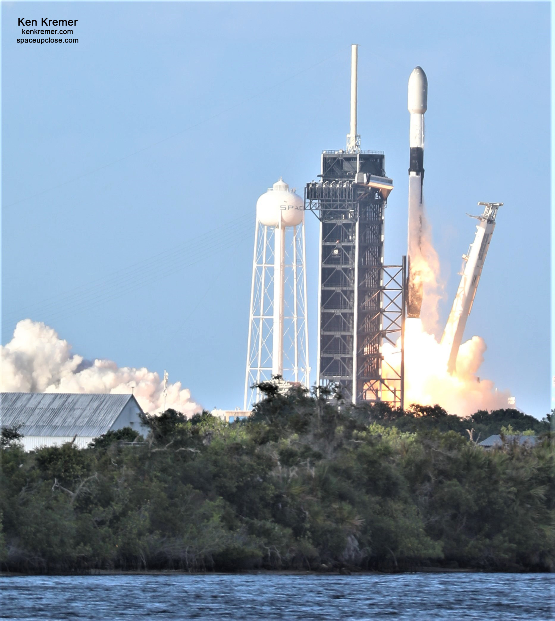 Beautiful Starlink Blastoff Saturday Evening from KSC as Aggressive SpaceX Launches 5th Falcon 9 in 3 Weeks: Photos