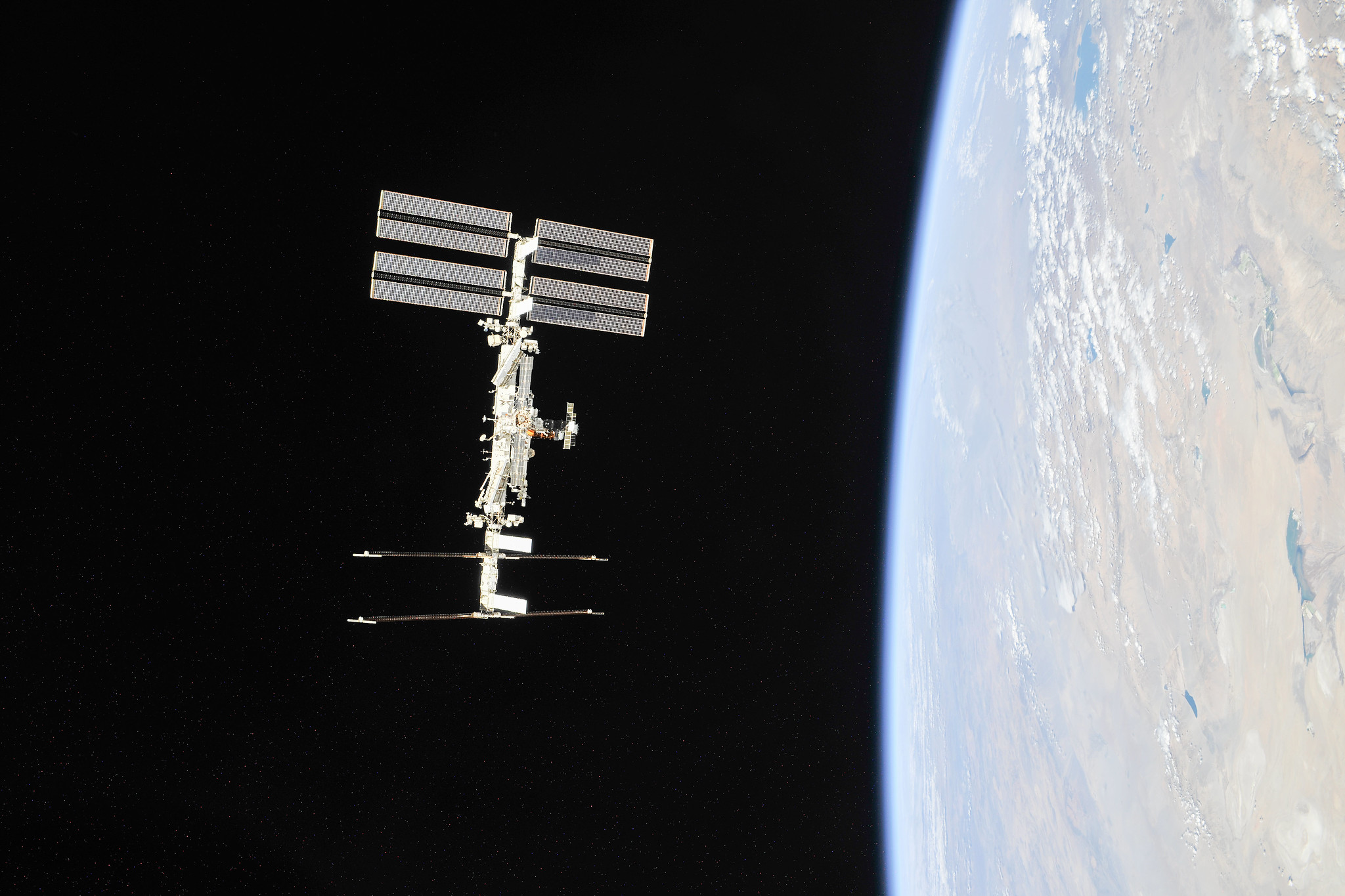 NASA Approves Axiom for 1st Private Astronaut Mission to Visit International Space Station
